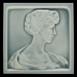 Boizenburg tile with face of a lady